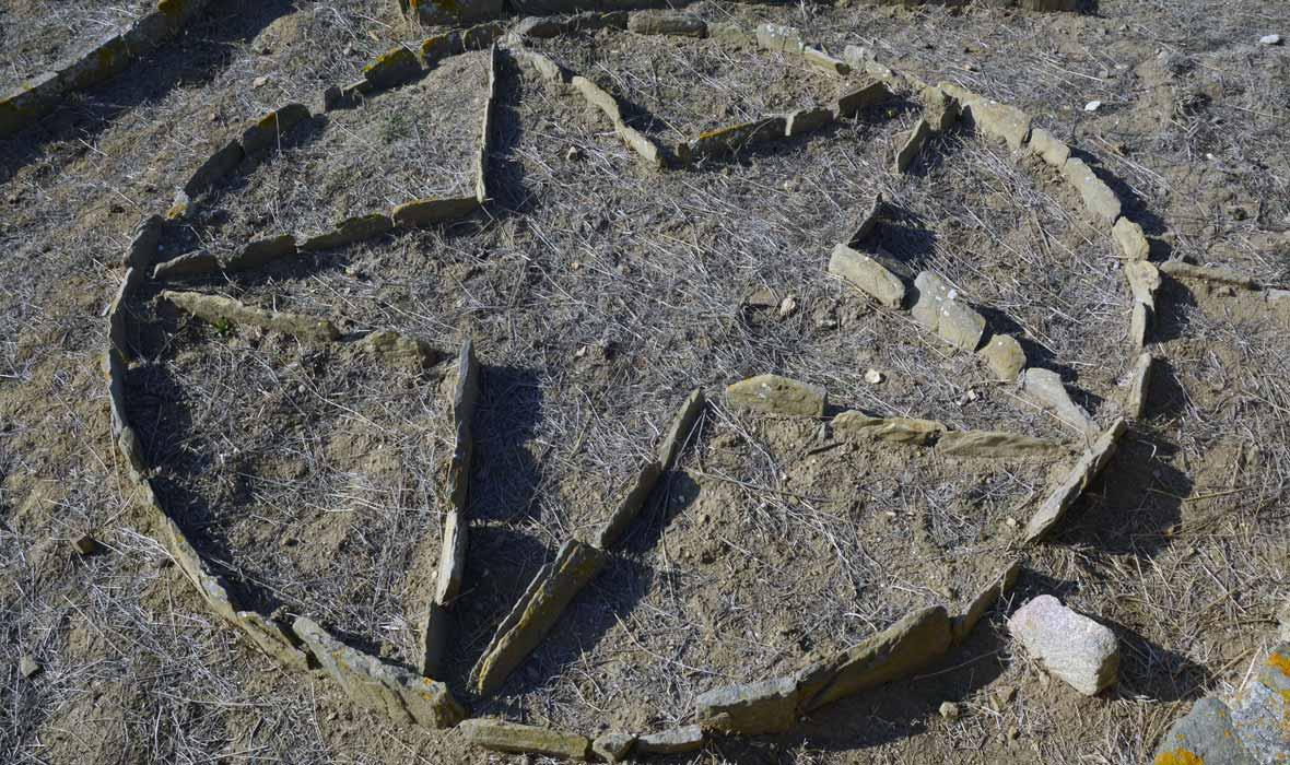 Stella a 5 punte creata dai detenuti delle brigate rosse nel giardino del carcere dell'Asinara